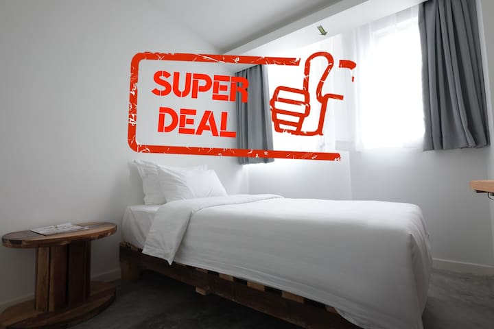 Deluxe Single - SUPER DEAL!! GRAB NOW!