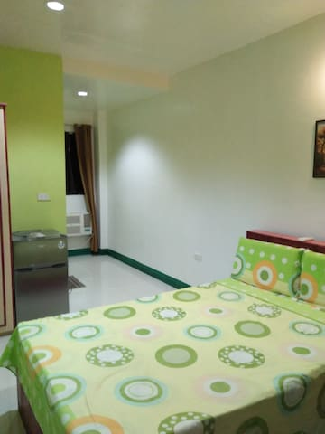 AOSMEC Square Hotel 203 (20 mins from airport)