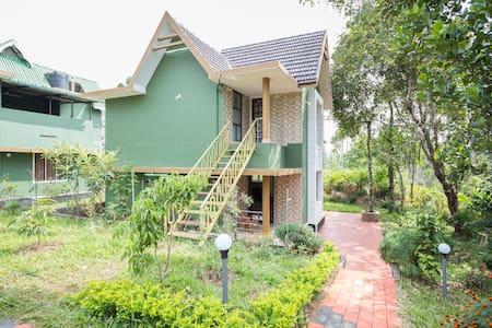 Green Height Villa Munnar - Idukki