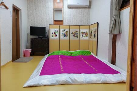 #산방(mountain room) 아름다운 종로 한옥마을 숙소 - Jongno-gu - Bed & Breakfast