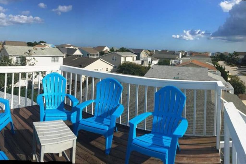 The widow's walk - rooftop porch is perfect for relaxing and experiencing the unique sunset on the East Coast