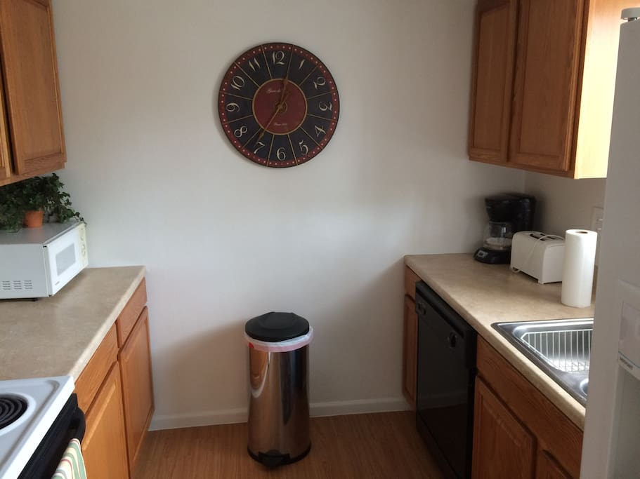 Extremely Clean Fully Furnished 2 Bedroom Apartments For Rent In Colorado Springs Colorado