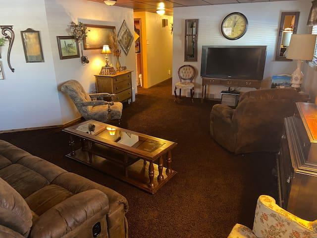 Living room & hallway to guest suite