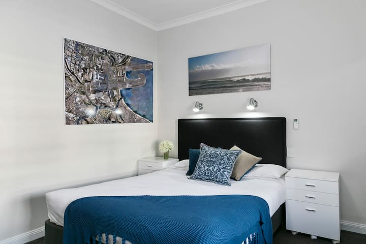 Stylish Double Ensuite Close to Sydney Airport