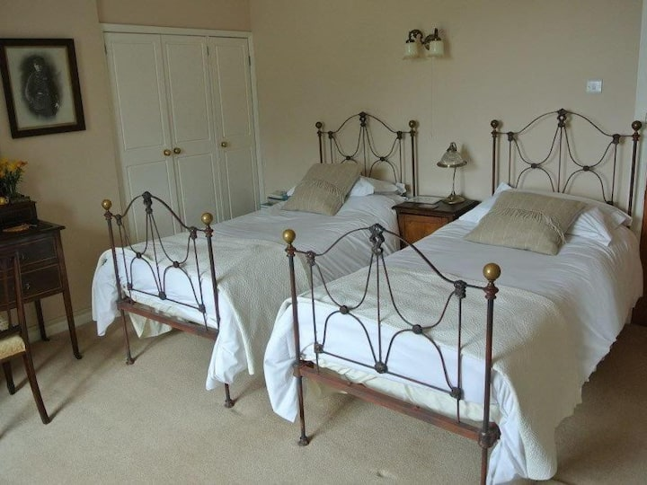 Brimford House B&B The Brown Room Twin
