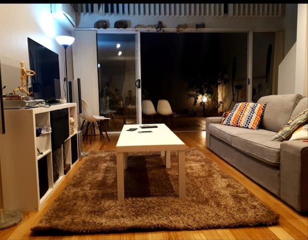 Cosy one bedroom loft with a private courtyard