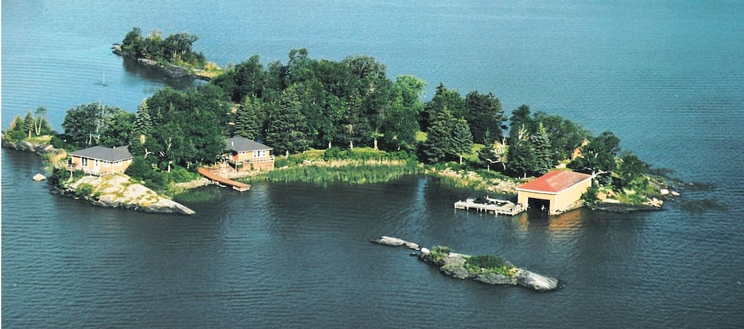 Private Lakefront Cabin on Blackbird Island