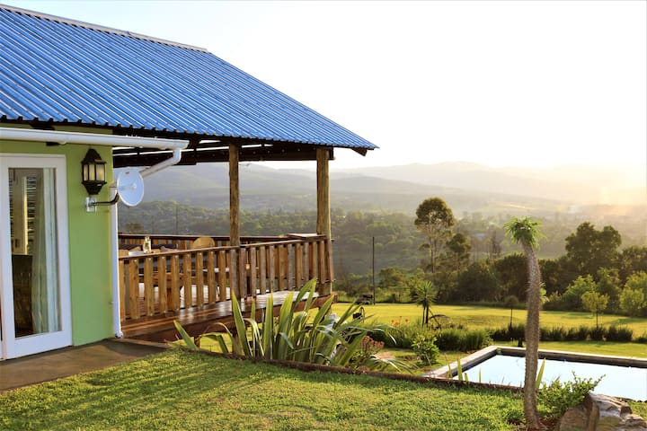 "Sabie Self-Catering Holiday Home - ""Round Here"""