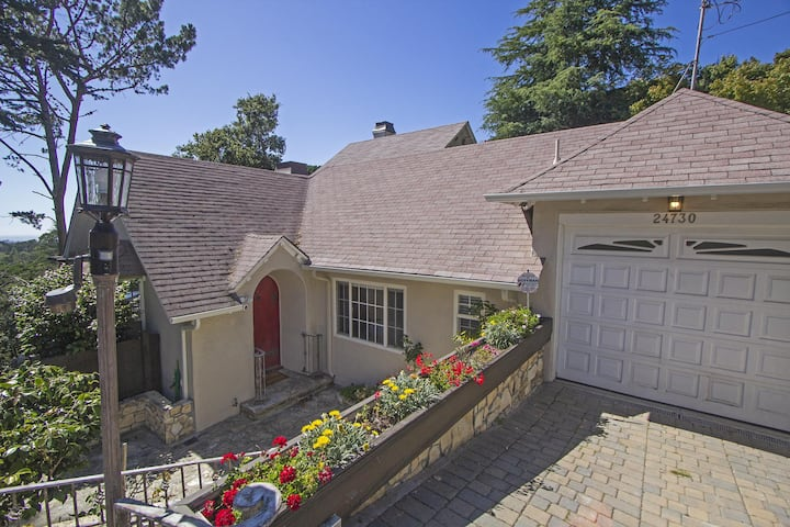 Carmel 4 Bedroom with Panoramic Pacific Views