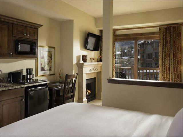 Sundance Film Festival Sunrise Lodge - The Canyons