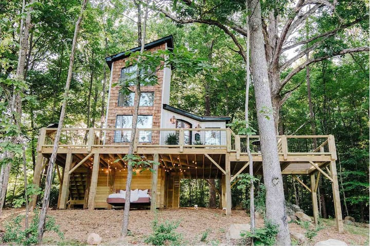 NEW!! The Carolina Treehouse