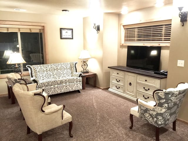 Two Bedroom Double King Suite #5 - Rexburg - Apartemen