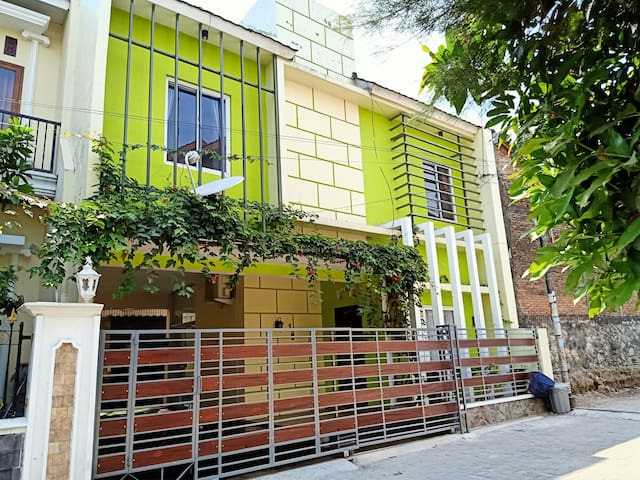 Two bedrooms Firdaus Guest House