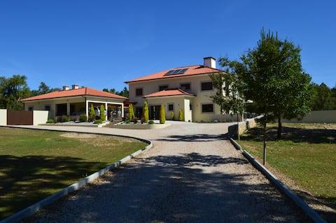 Casa Mondora - Stunning modern villa near Arganil