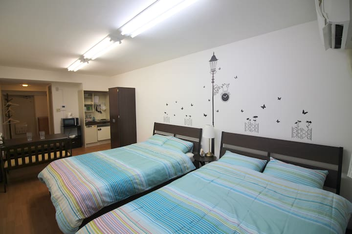 Private Spacious Studio for 4 persons #F06 - Chiyoda-ku - Leilighet