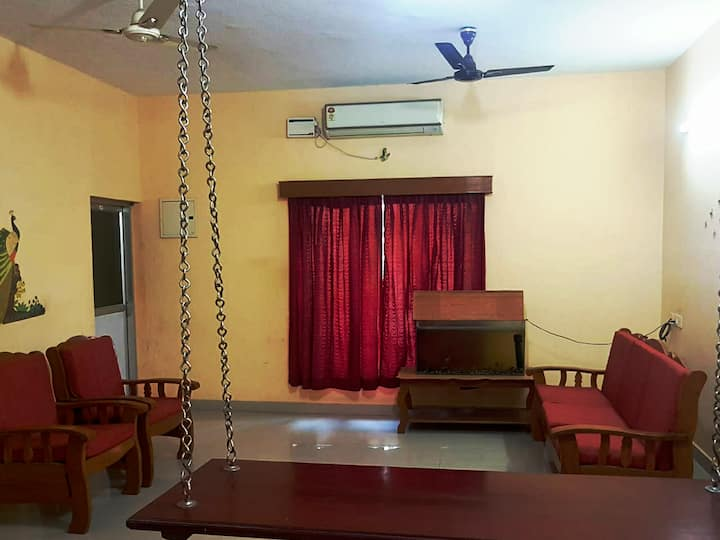 Affordable 2Bed/Bath  Near Airport/Railway Station