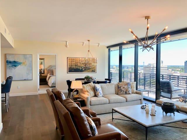 Luxury 2 Bedroom Condo in Kimpton Hotel - Views