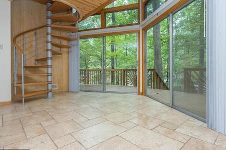 Modern Retreat Across from the Lake - Locust Grove