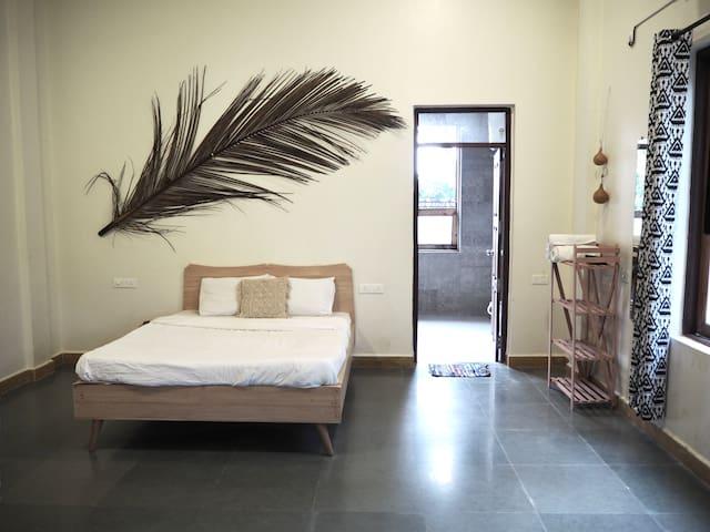 Peaceful room in our beautiful Anjuna villa 1