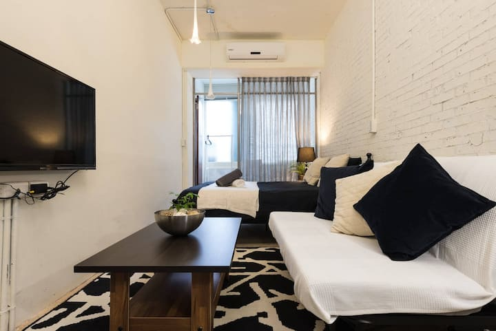 HD Chic Loft | Taipei 101 | 2 mins MRT | Nightmrkt