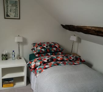 Loft bedroom with private bathroom - Portstewart - Bed & Breakfast
