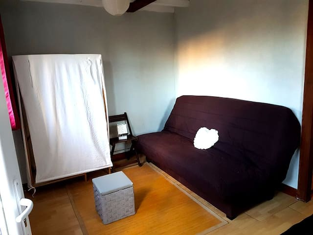 Studio independant calme proche d aix en Provence