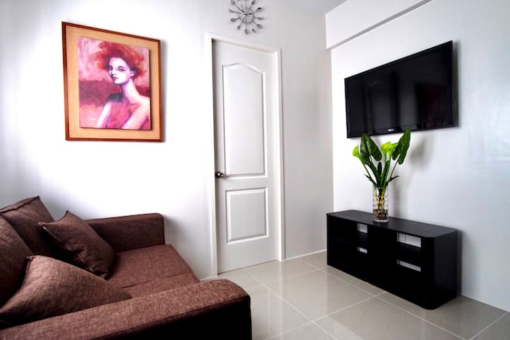 FURNISHED 1-BR with WiFi, Cable TV and Parking
