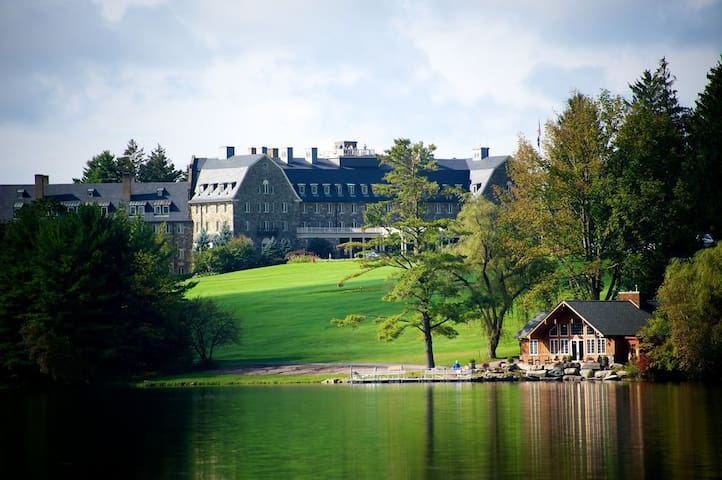 Pocono Cottage with Resort Privileges