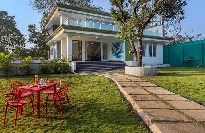7 BDR Farmstay With Pool In Alibaug