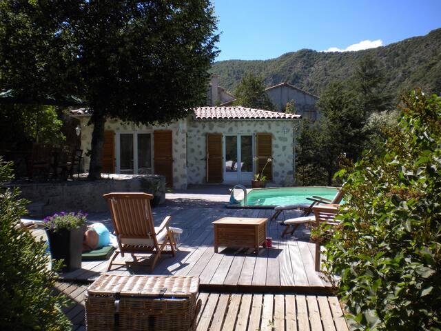 Belle demeure Provençal, piscine - Entrevaux - Hus