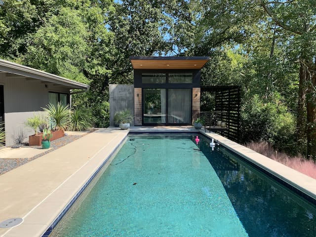 Contemporary Pool House in Five Points