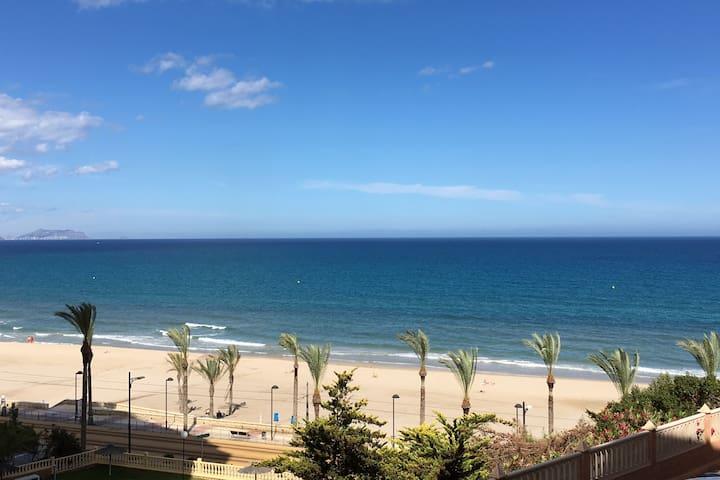 Apto. 1ª Linea Playa Muchavista.Vistas al mar.Wifi