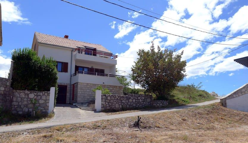 Villa Zlatan - Ivanica - House