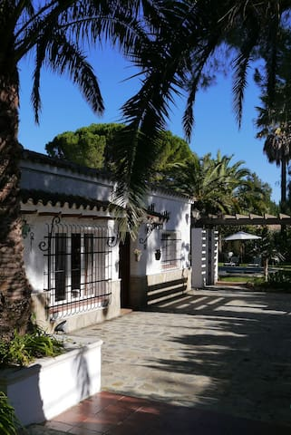 Andalusian Villa near the Lake
