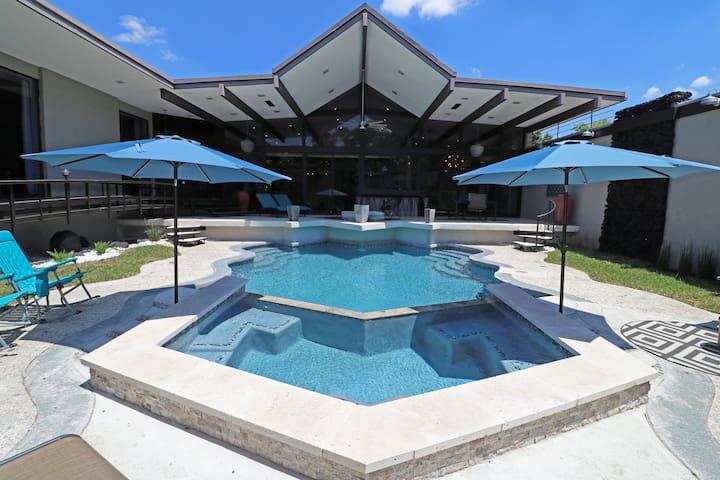 LUXURWAY VILLA RICA - Luxury 4BR Home Private Pool
