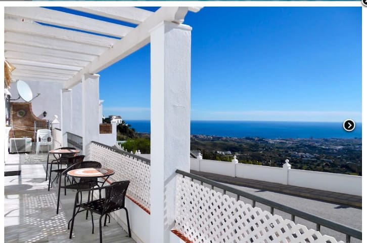 Panoramic views from apartment with pool by Mijas!