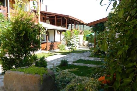 Guest House Oreshaka - Oreshak