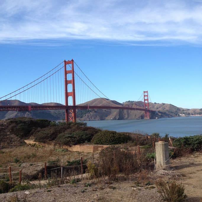 15-minute drive to the Golden Gate Bridge, or ride our bikes.
