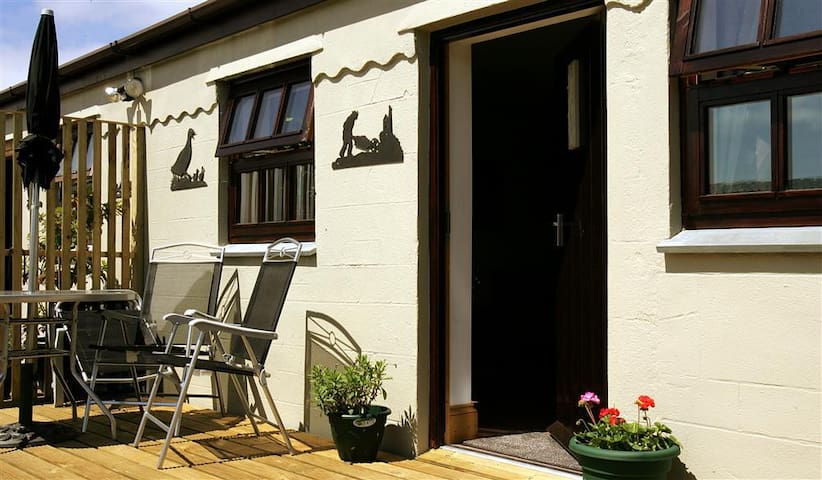 Primrose Cottage - wheelchair friendly - Truro - Flat
