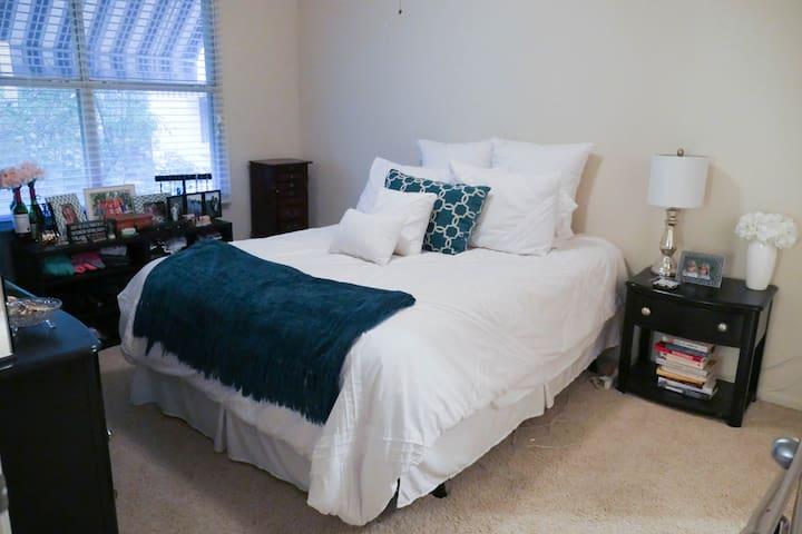 Uptown Dallas One Bedroom