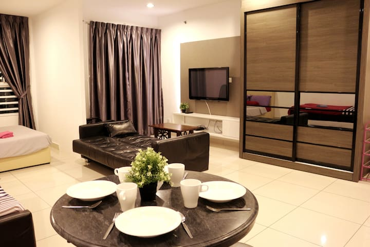 Large Studio Suite , Gurney Georgetown Penang