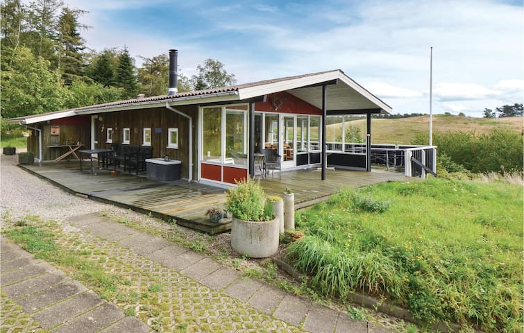 Holiday cottage with 3 bedrooms on 86m² in Ebeltoft