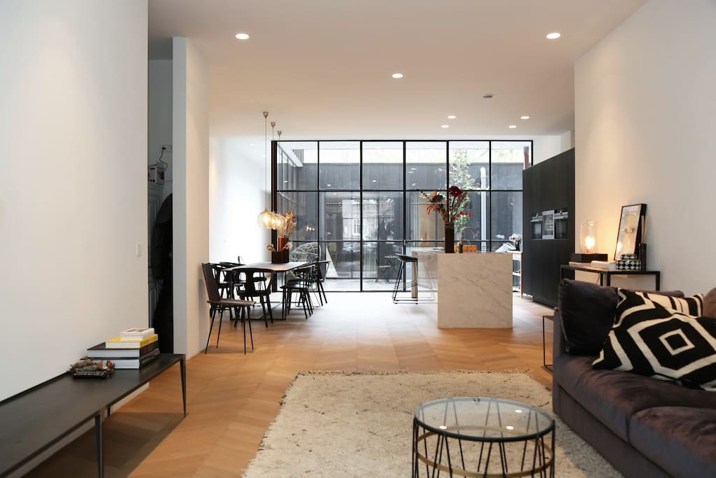 Unique family design apartment appartamenti in affitto a for Appartamenti in centro amsterdam