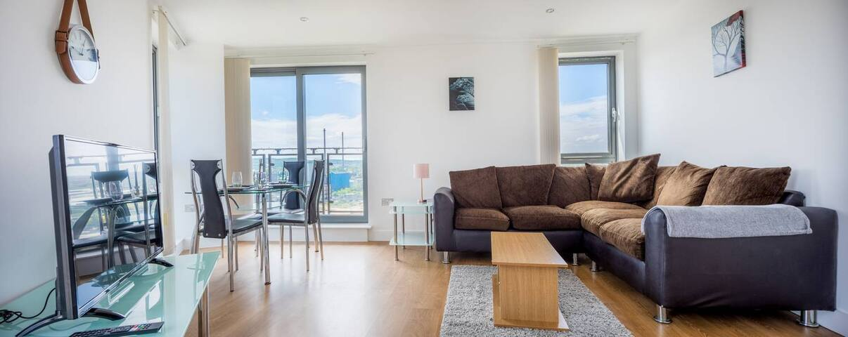 2 bed in Leeds with balcony & underground parking