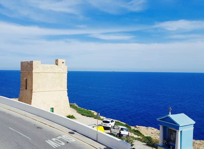Stunning Sea view Apartment in Blue Grotto!