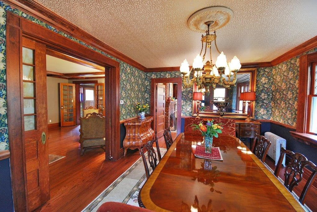 Pretty and private in upper montclair maisons louer for Best private dining rooms nj