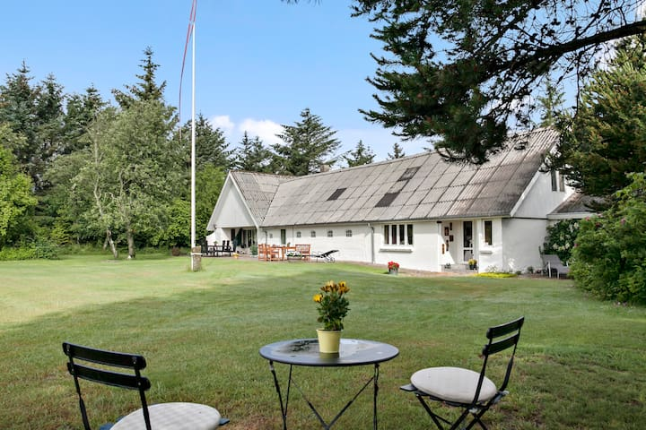 Private stay in beautiful nature/Bo midt i naturen