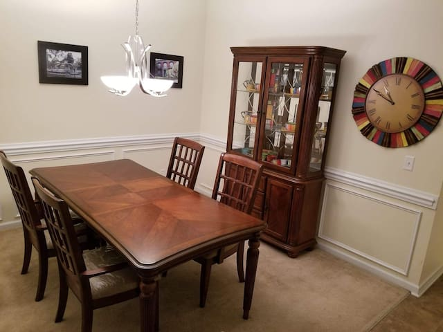 The Executive & Grey Room (2 Rooms)