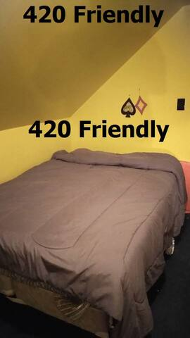 "Club 420 ""Milwaukee"" Room 2 Free Breakfast & WIFI - Milwaukee - Huis"