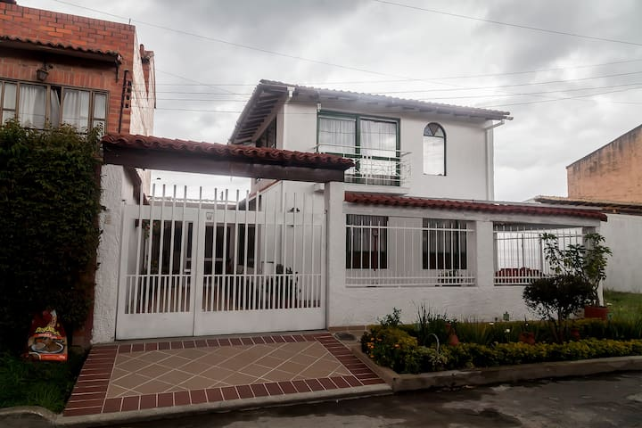 Casa de Huespedes en Chia, cerca a Bogota - Chía - Guesthouse